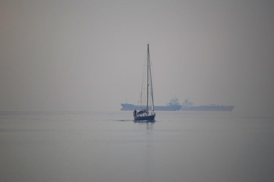 Плавание на яхте в тумане