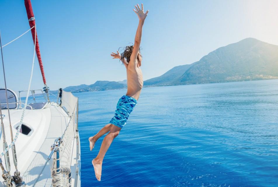 Чем развлечь детей на яхте – лучшие водные игрушки