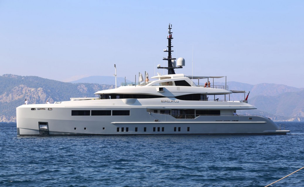 47m superyacht Giaola-Lu is for sale