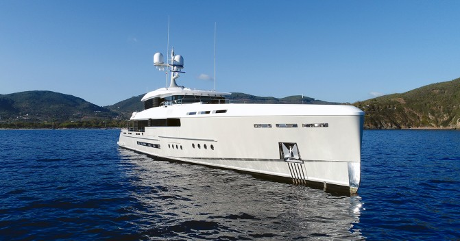 2.8 M Euro price cut on Rossinavi motor yacht Endeavour II