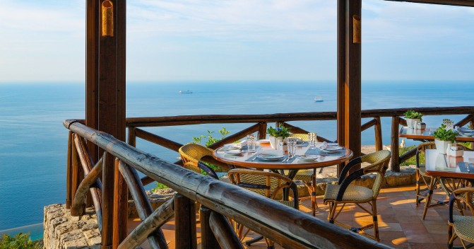 4 hottest tables in the Med